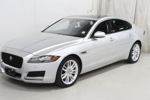 Pre-Owned 2016 Jaguar XF Prestige AWD 4D Sedan